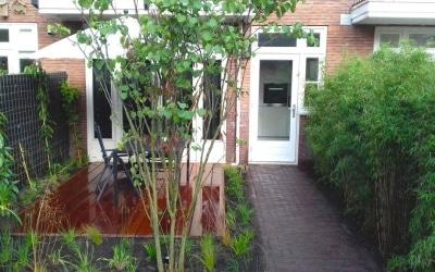 Stadstuin in Utrecht met houtwerk op maat