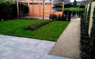 Groene onderhoudsvriendelijke tuin